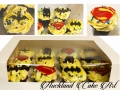 BATMAN V SUPERMAN CUPCAKES